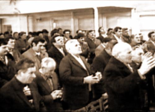 1992 sepia 500x364 Istorie al Uniunii Bisericilor Penticostale