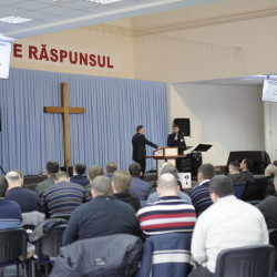 DSC0020 250x250 Seminarul pentru slujitori 2018