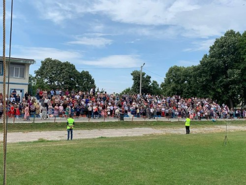 Edinet 2019 1 500x375 Preaching on Edineti city stadium